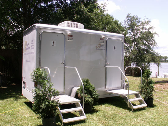 Royal restrooms phoenix arizona portable restrooms and for Portable bathrooms for rent